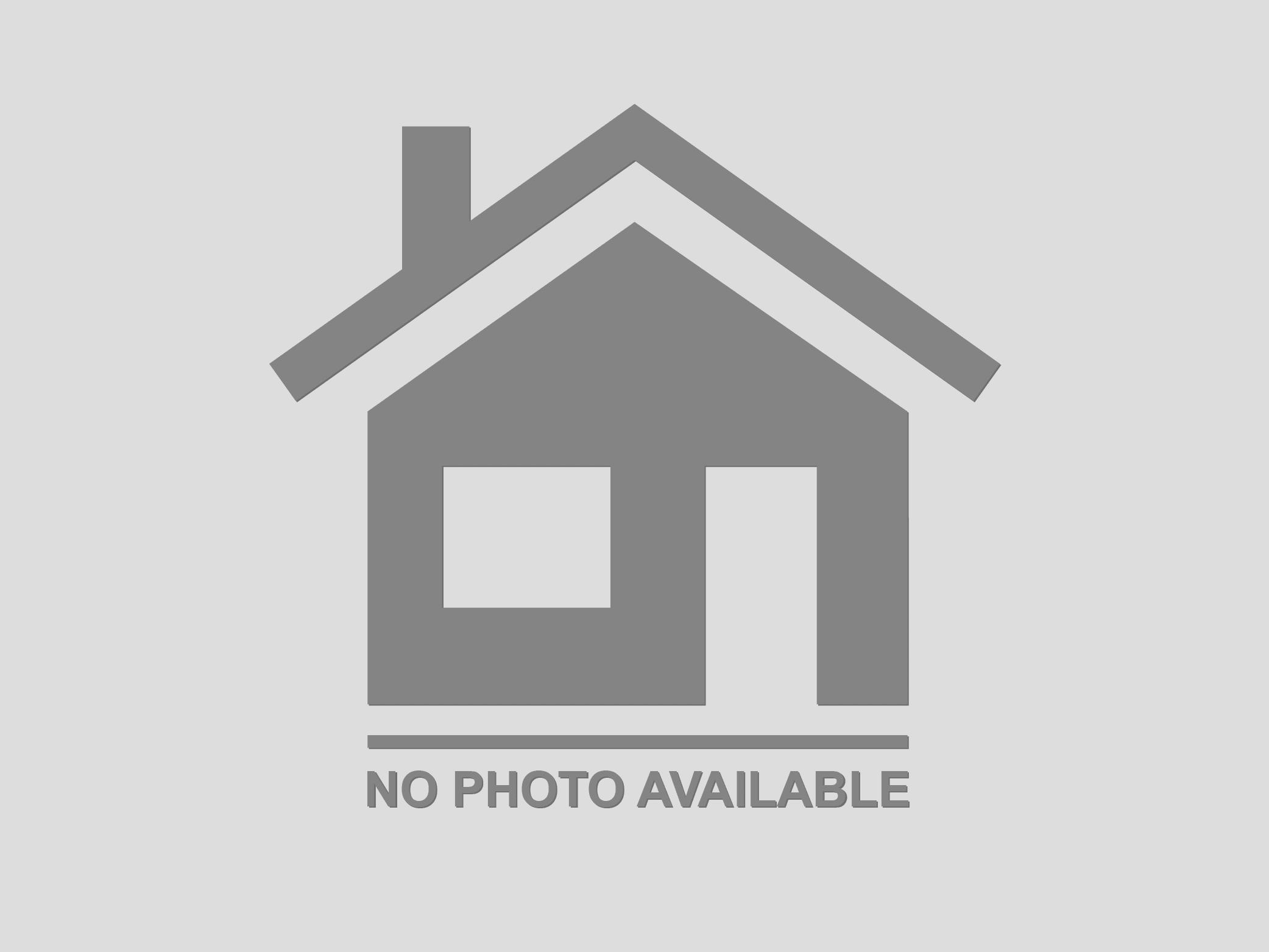 47 Hampton Rd Hampton Bays, NY 11946